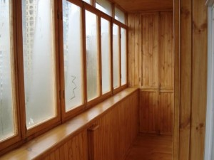 Балконные деревянные окна